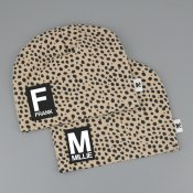 Dots beanie with name BEIGE - Letter and name