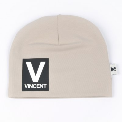 Beige beanie with name - Letter and name
